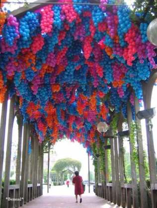 90,000 Plastic Balls Inspired by Wisterias in Monet's Paintings Canada