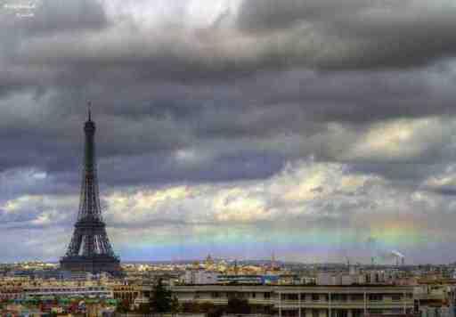 A horizon rainbow in Paris