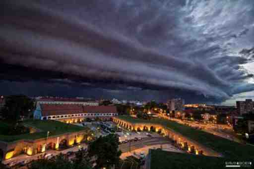 Shelf cloud over Timisoara