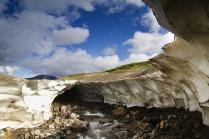 kamchatka-ice-tunnel-17[6]