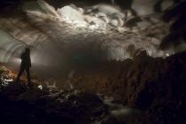 kamchatka-ice-tunnel-7[6]