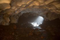 kamchatka-ice-tunnel-9[6]