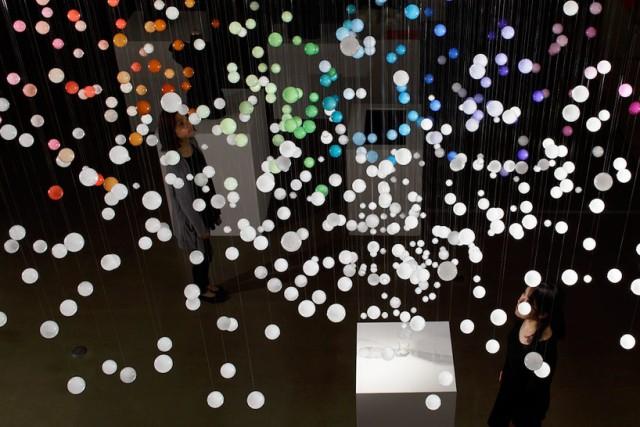 sparkling-bubbles-by-emmanuelle-moureaux-designboom-04
