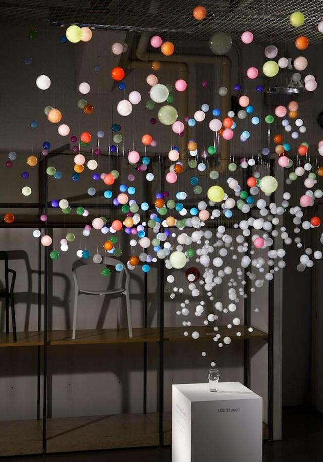 sparkling-bubbles-by-emmanuelle-moureaux-designboom-06